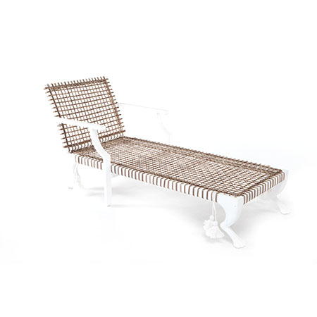 Tau Chaise Lounge